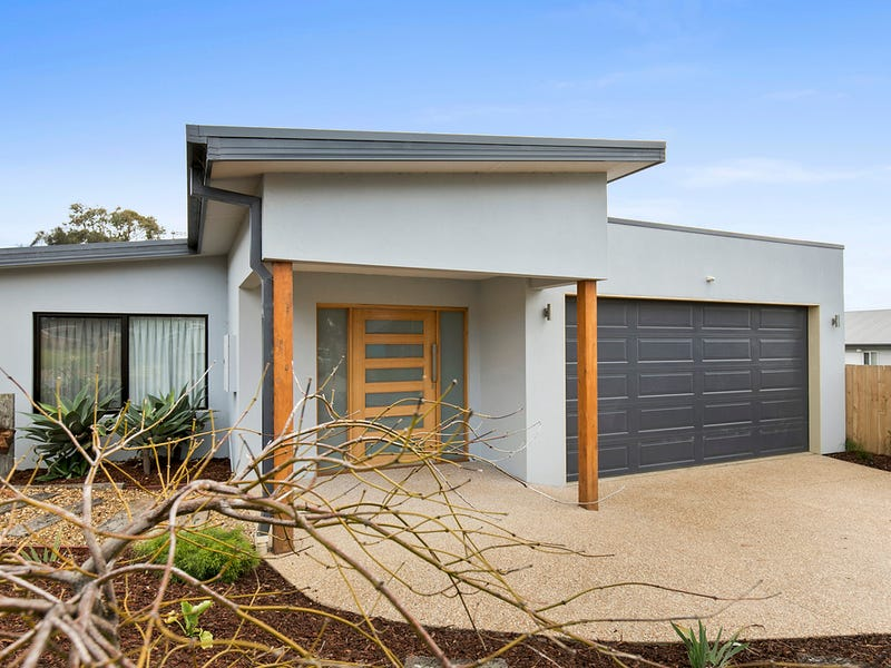 24 Castle Combe Circuit, Cowes, Vic 3922