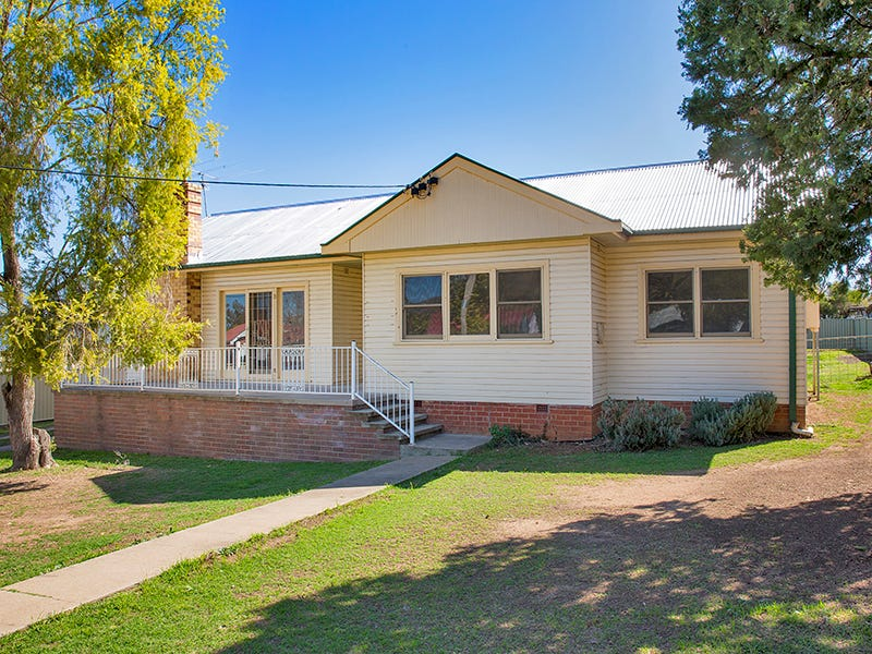 24 Dean Street, Tamworth, NSW 2340