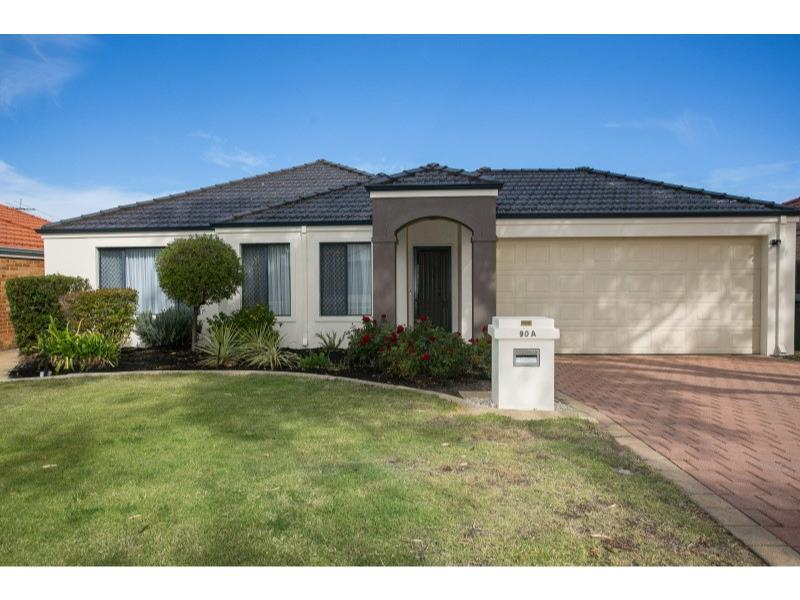 90A Kitchener Road, Alfred Cove, WA 6154