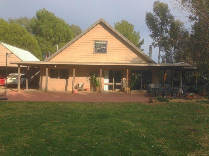 440 Todds Road, Deniliquin, NSW 2710