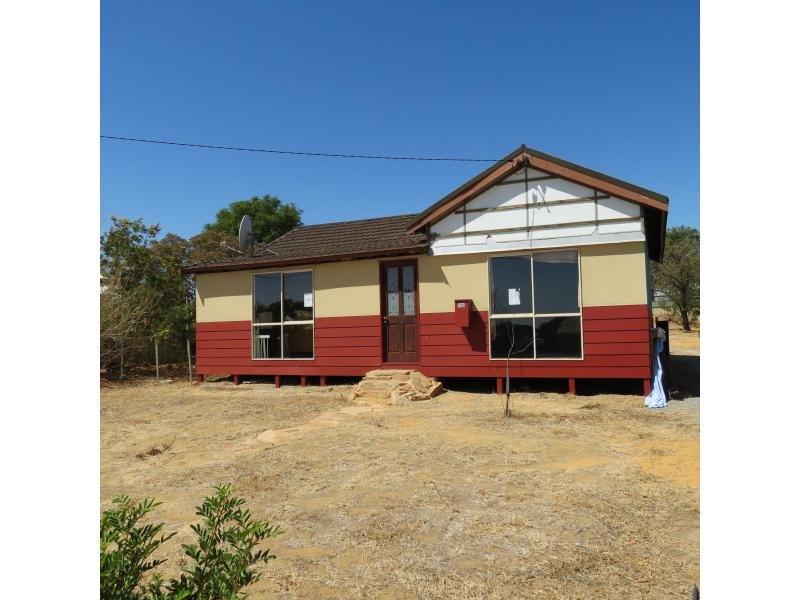 35 Goldfields Road, Dowerin, WA 6461
