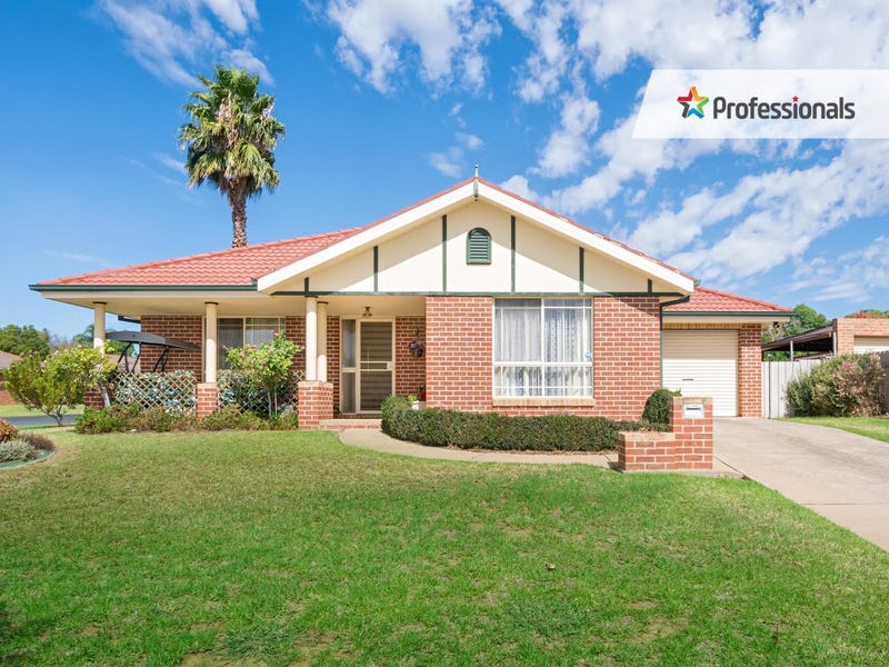 1/1 Gidgee Place, Glenfield Park