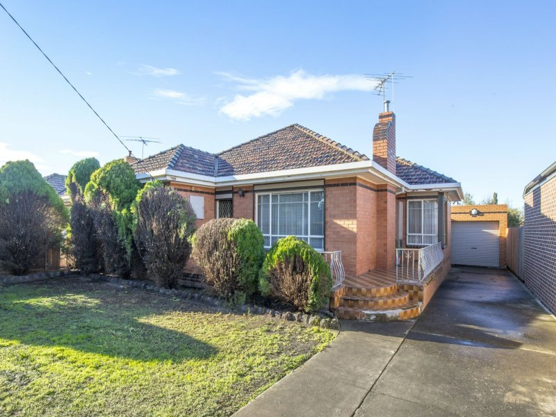 57 North Road, Avondale Heights, Vic 3034