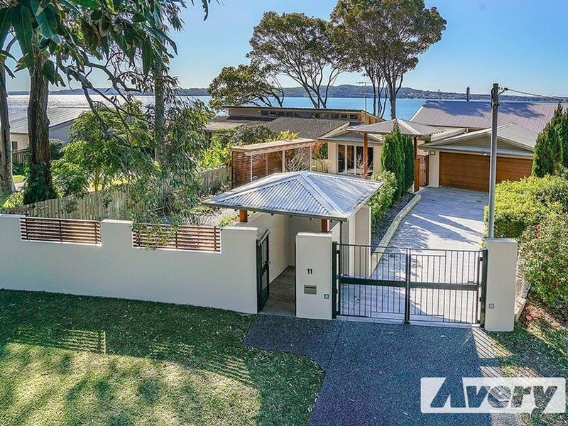 11 Robey Crescent, Coal Point, NSW 2283