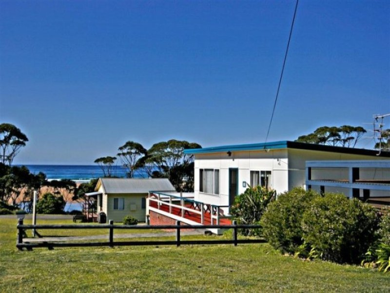 10 Livingstone Street, Durras North, NSW 2536