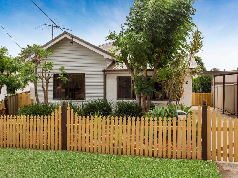 10 Anderson Road, Mortdale, NSW 2223