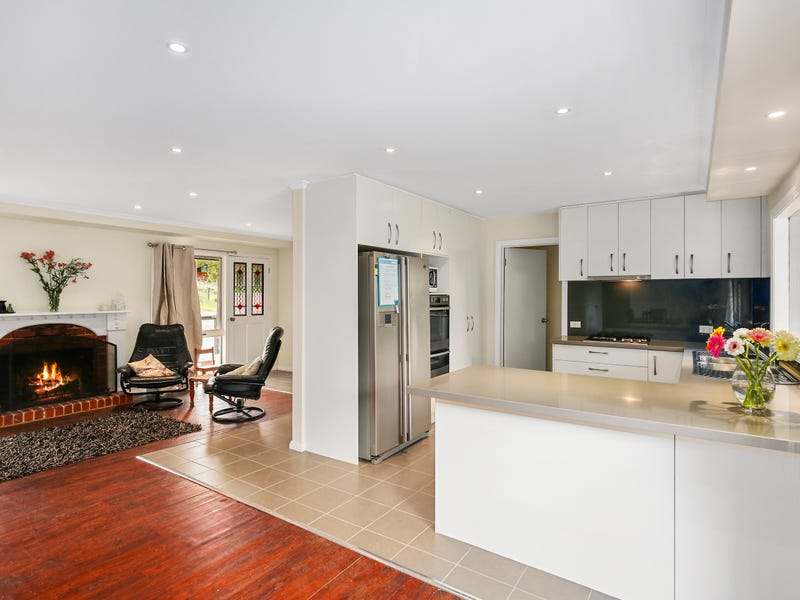 22 Hilltop Rise, Launching Place, Vic 3139