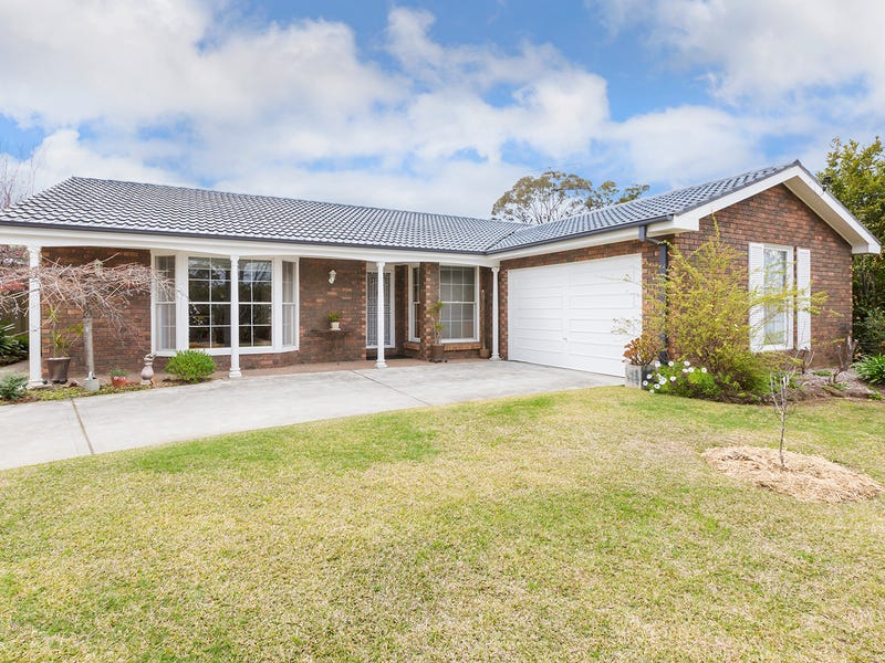 17 Huntley Grange Road, Springwood, NSW 2777