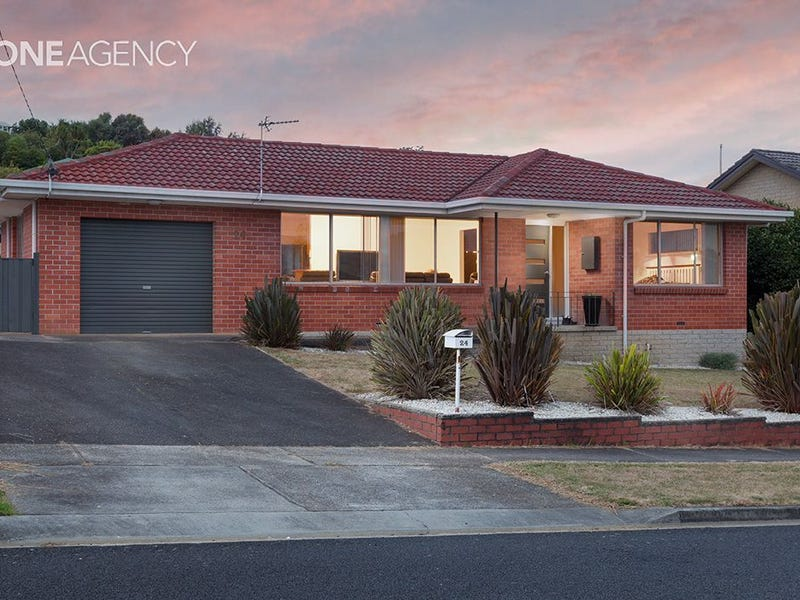 24 Richardson Street, West Ulverstone, Tas 7315