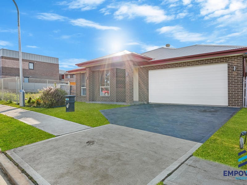 6 Glenroy Drive, Claymore, NSW 2559