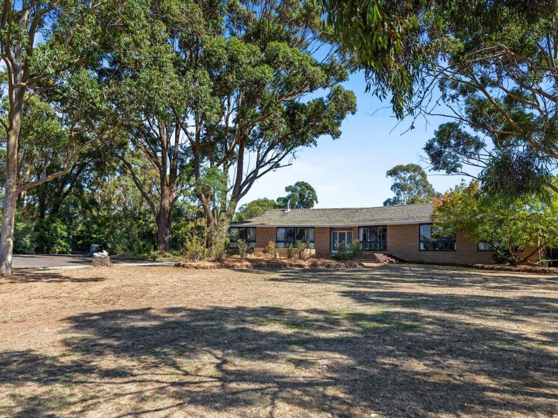 77 Howe Street, Miners Rest, Vic 3352