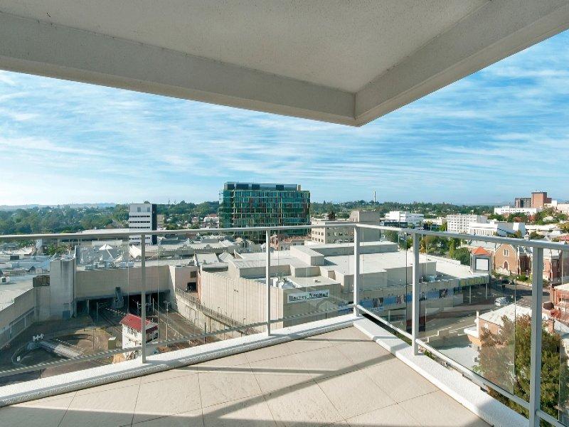 Unit 1001 'Aspire Apartments' 11 Ellenborough Street, Woodend, Qld 4305
