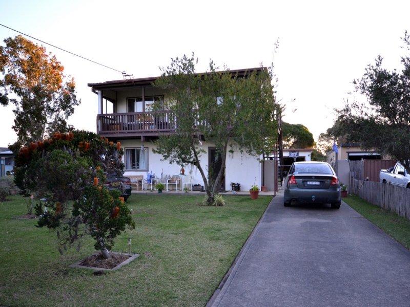 25 Prince Edward Avenue, Culburra Beach, NSW 2540