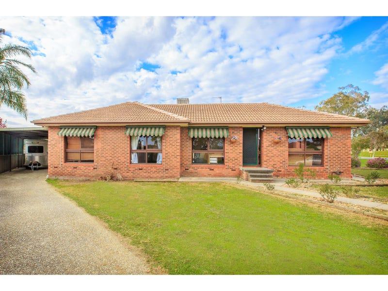 18 Yellow Gum Way, Thurgoona, NSW 2640