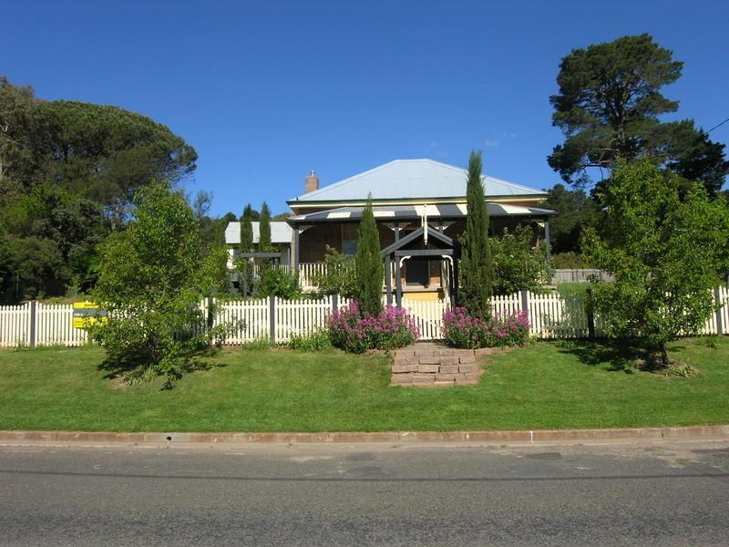 8 BATHURST STREET, Rydal, NSW 2790