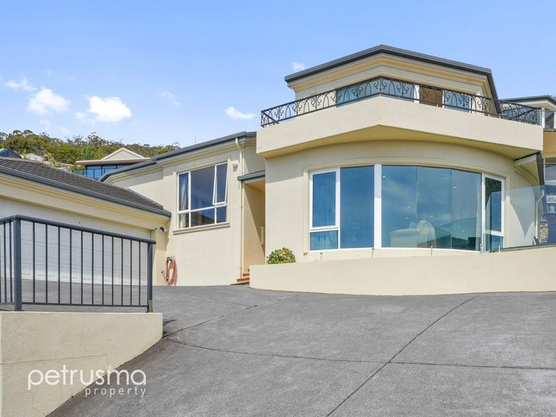 2/13 Nicholas Drive, Sandy Bay, Tas 7005