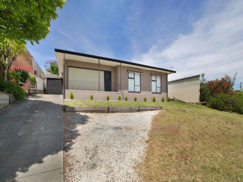 10 Lynore Avenue, Para Hills, SA 5096