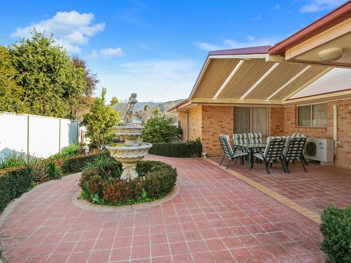 14 Norman Court, Bright, Vic 3741