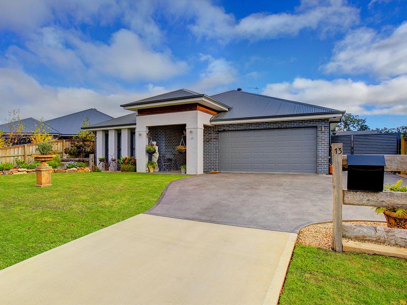 13 Turner Way, Mittagong, NSW 2575