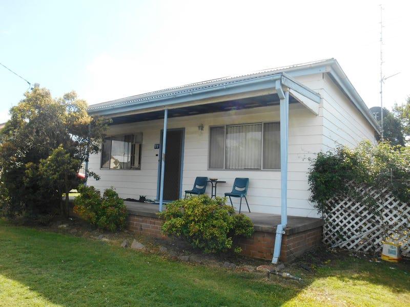 11 Sixth Street, Weston, NSW 2326
