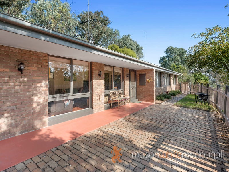 2/30 Daphne Crescent, Hurstbridge, Vic 3099