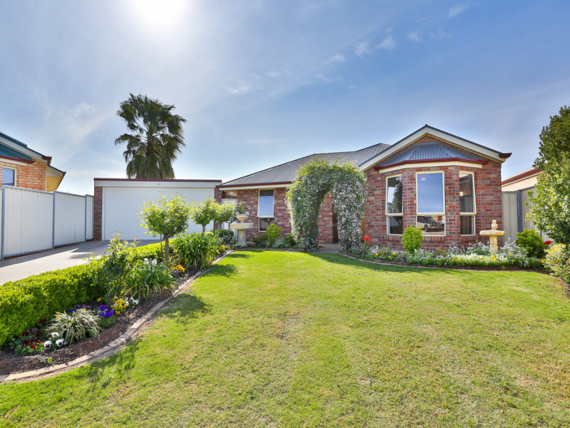 11 Rosedale Court, Buronga, NSW 2739