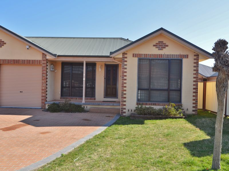 2/25 Hoskins Avenue, Lithgow, NSW 2790