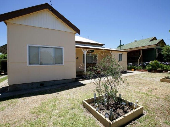 14 Florence St, Junee, NSW 2663