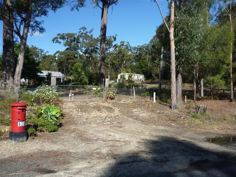 128 Percy Davis Drive, Moruya, NSW 2537