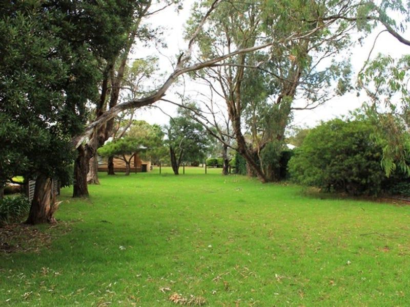 4 Honeysuckle Grove, Silverleaves, Vic 3922