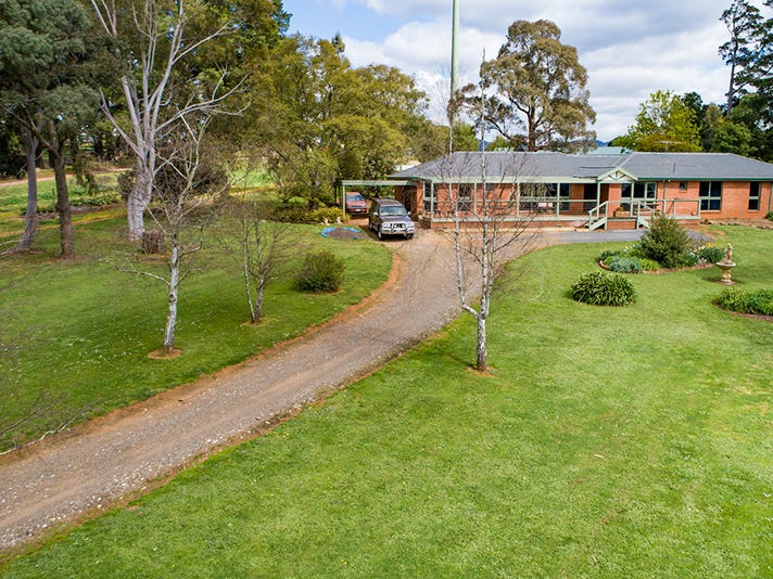 120 Lewis Road, Silvan, Vic 3795