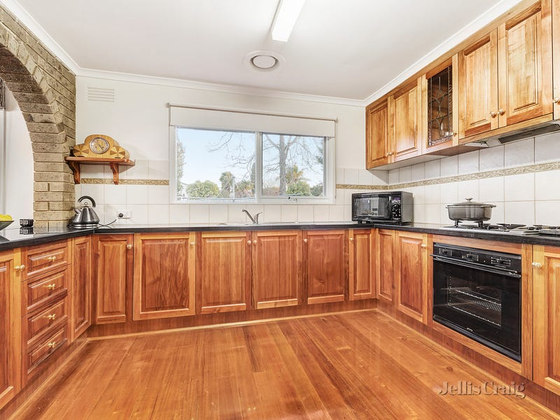 12 Hill View Parade, Templestowe Lower, Vic 3107
