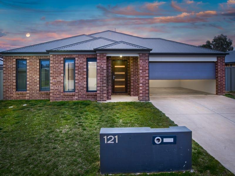 121 Cambridge Drive, Thurgoona, NSW 2640
