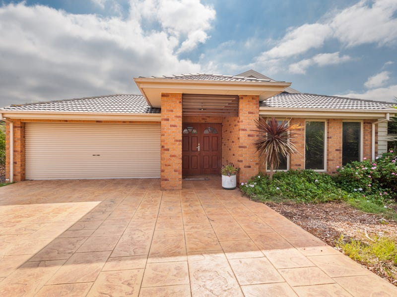 13 Lawson Place, Burnside Heights, Vic 3023