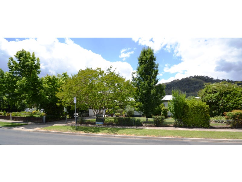 12 Lakeside Avenue, Mount Beauty, Vic 3699