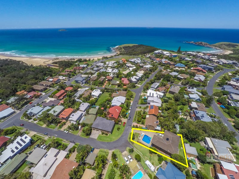 20 Ocean View Crescent, Emerald Beach, NSW 2456