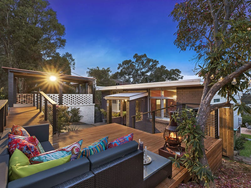 15 Valley View Road, Bateau Bay, NSW 2261