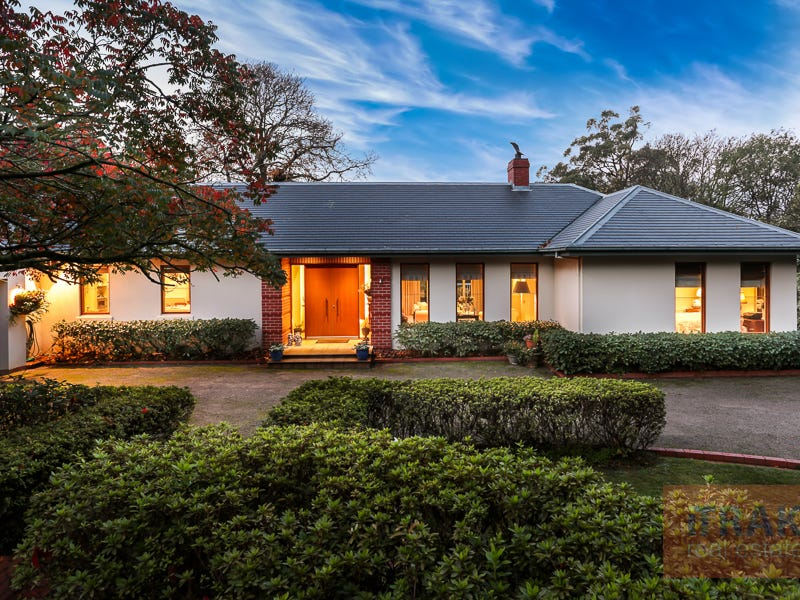 41-43 Falls Road, Kalorama, Vic 3766