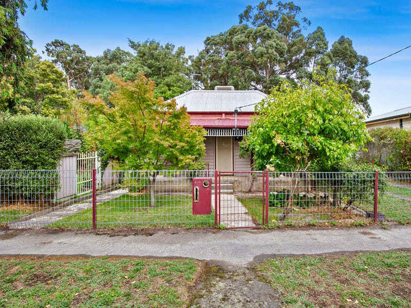 206 Bradshaw Street, Golden Point, Vic 3350