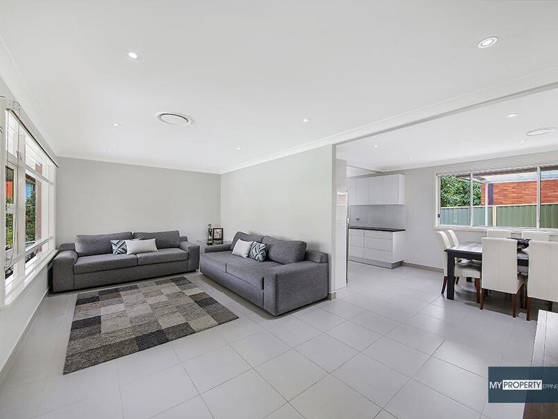 5 Lincoln Road, Georges Hall, NSW 2198