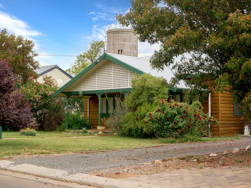 8 Henry Street, Hillston, NSW 2675