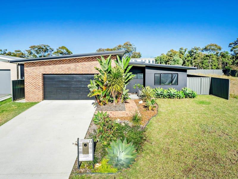 25 Janice Street, Wallabi Point, NSW 2430