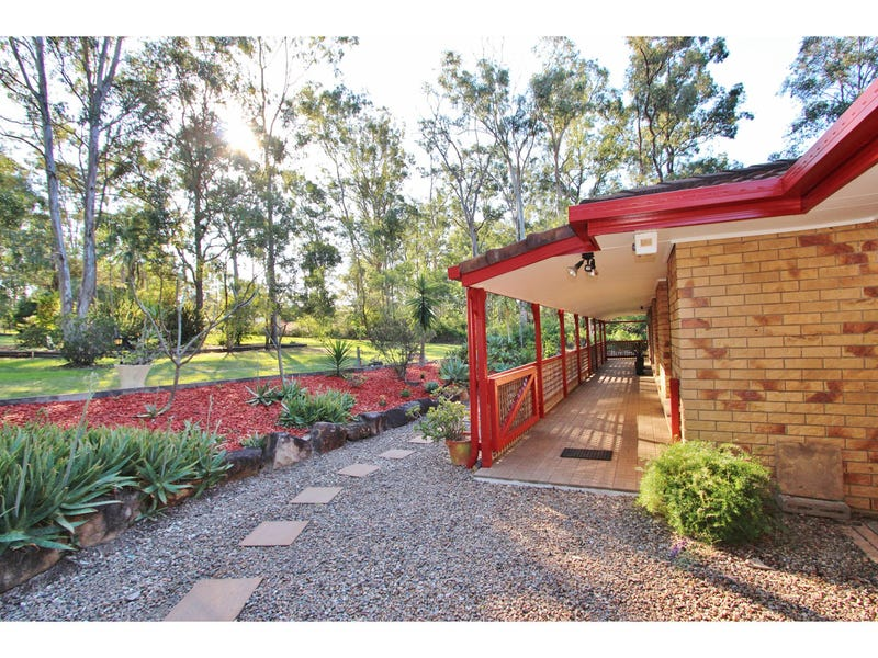 37-39 Oxley Drive, Barellan Point, Qld 4306
