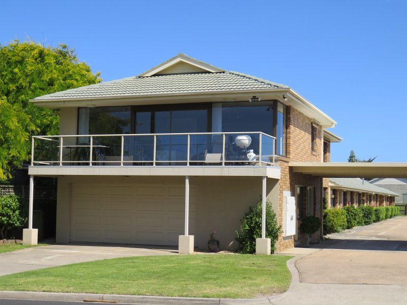 10/132 Marine Parade, Lakes Entrance, Vic 3909