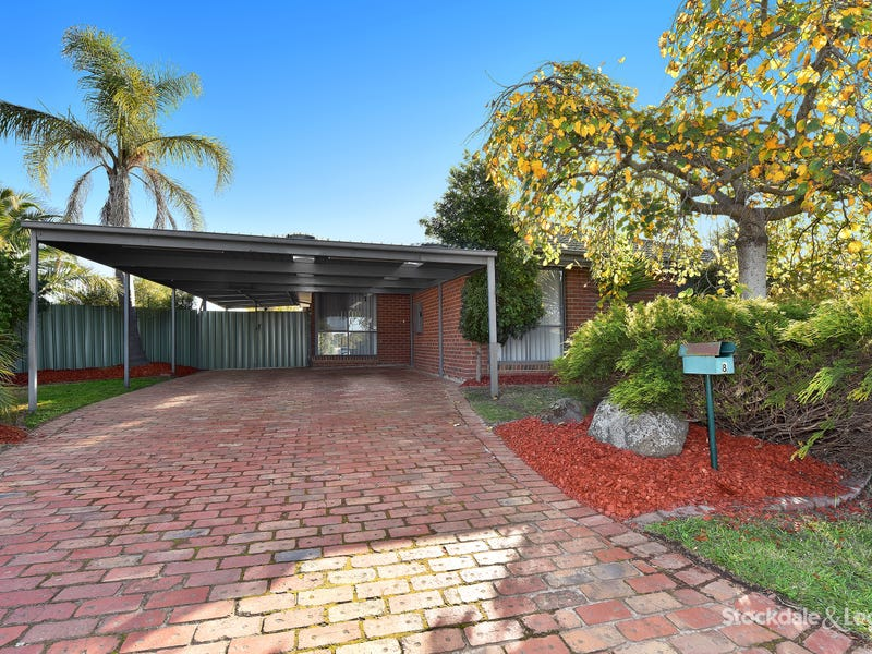 8 Trotting Place, Epping