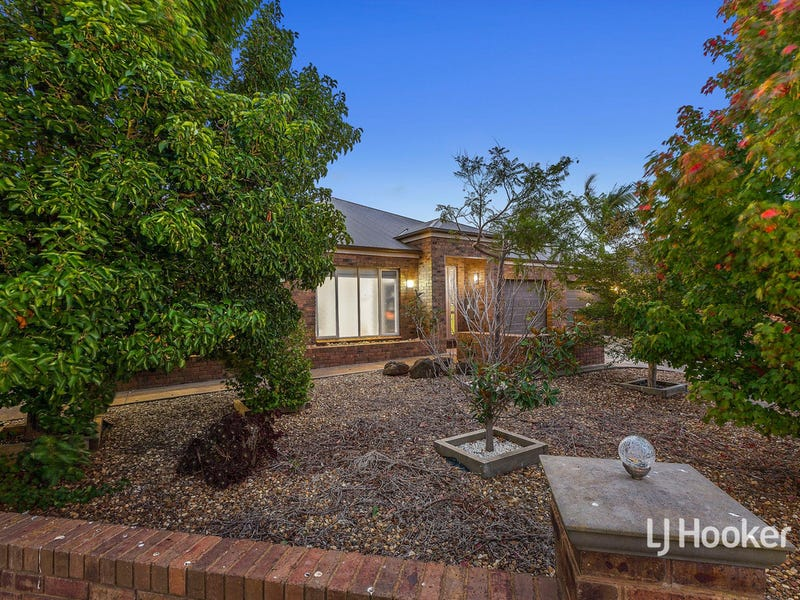 8 Bilbao Way, Point Cook, Vic 3030