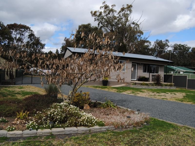 18 Wood Street, Gilgai, NSW 2360