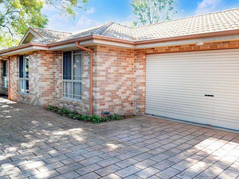 2/11 Stafford Street, Kingswood, NSW 2747
