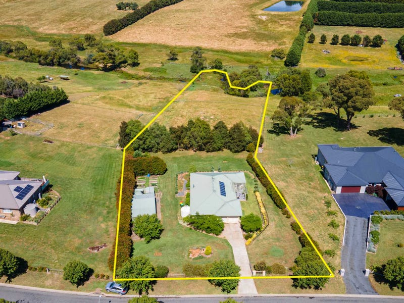 13 Barry Place, Crookwell, NSW 2583