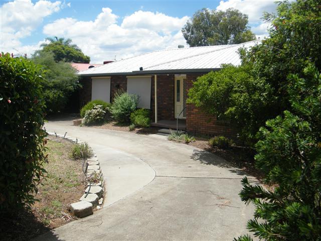 95 Nowland Ave, Quirindi, NSW 2343